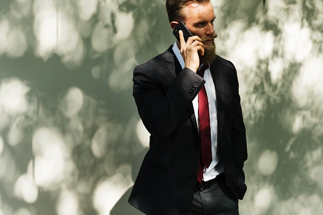 英語でかっこよく電話対応!スマートな簡単フレーズ